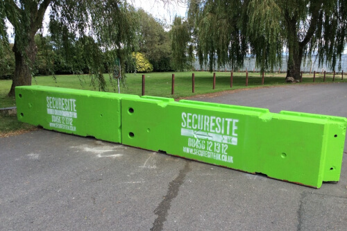 concrete-barriers-preventing-access