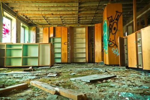 demolishing-empty-property